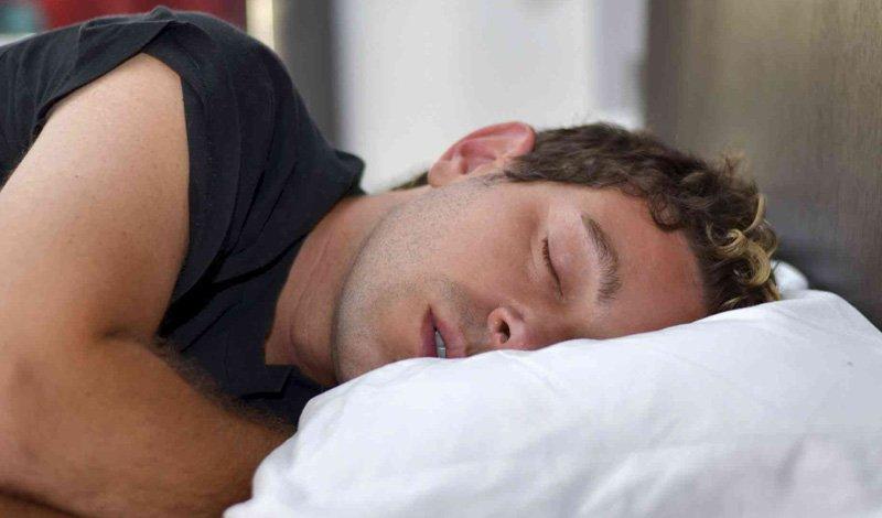 Позы для сна: плюсы и минусы