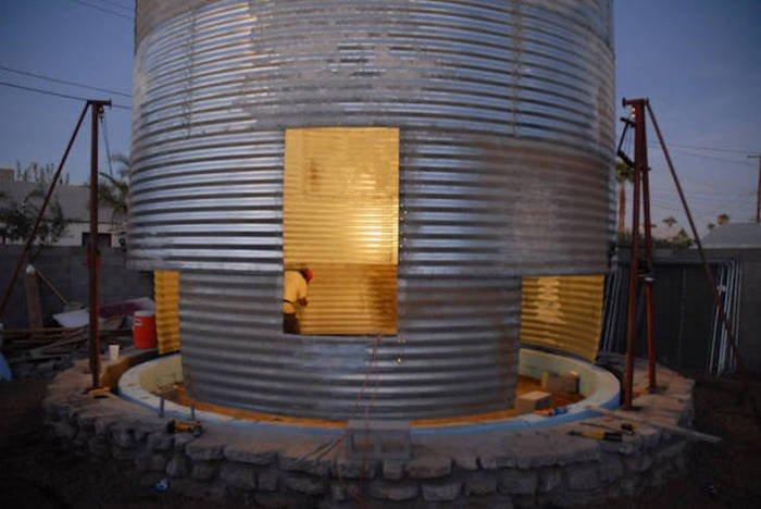 Превращение старого зернохранилища в уютный дом (18 фото)