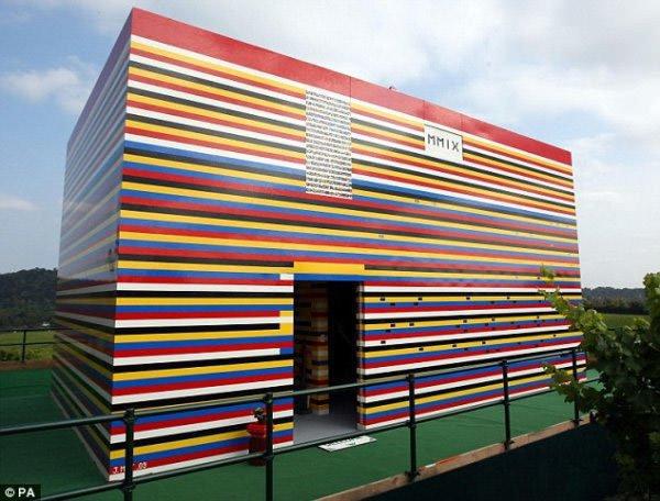 Грандиозные сооружения из LEGO