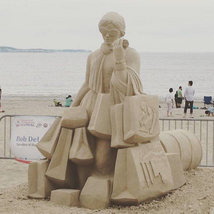 Необыкновенные скульптуры из песка (15 фото)