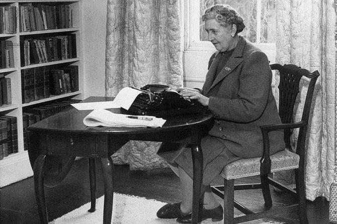 Как писатели заставляли себя работать?