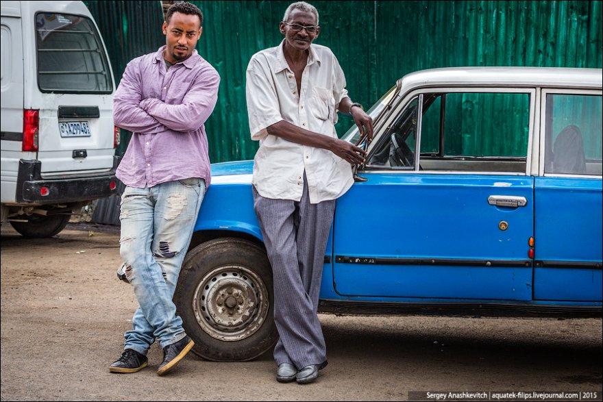Такси в Эфиопии состоит из машин советской «копейки»