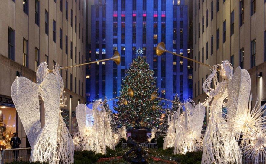 Самые зрелищные новогодние елки мира