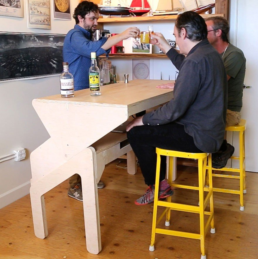 Необычный стол-трансформер от Джонатана Одома