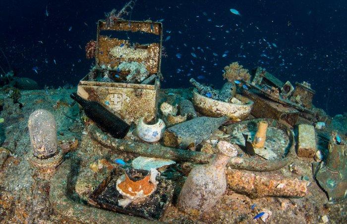 Японская техника на дне океана времен Второй мировой войны (18 фото)
