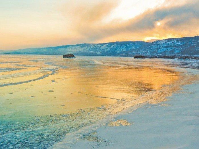 Пейзажи зимнего Байкала (35 фото)