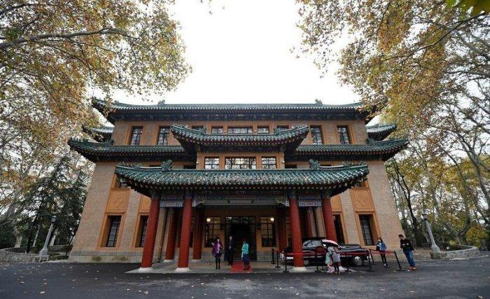 Китайский дворец-изумруд (7 фото)