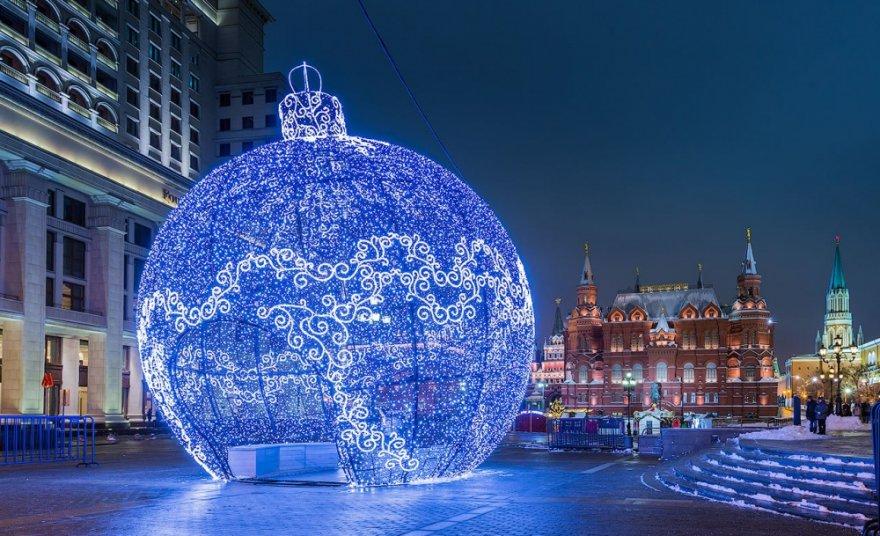 Города, украшенные к Новому году