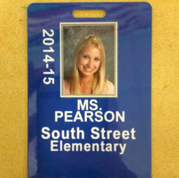 Фотографии бывшей модели чуть было не стали причиной увольнения, работающей учительницей (33 фото)