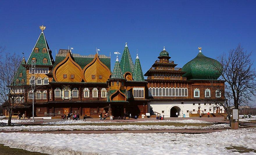 Деревянный царский дворец (5 фото)