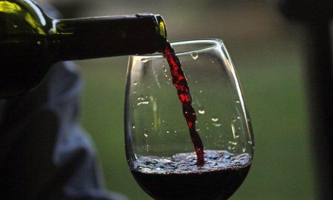 Бокал красного вина приравнивается к 1 часу занятий спортом