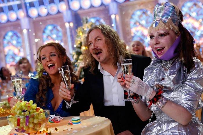 Почему по телевизору, в преддверии Нового года, показывают одни и те же фильмы
