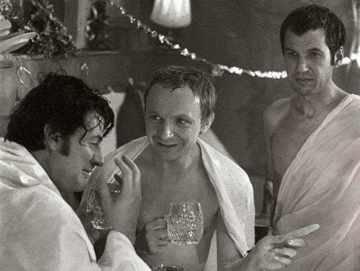 Как проходили съемки банной сцены в комедии «Ирония судьбы, или С лёгким паром!» (5 фото)
