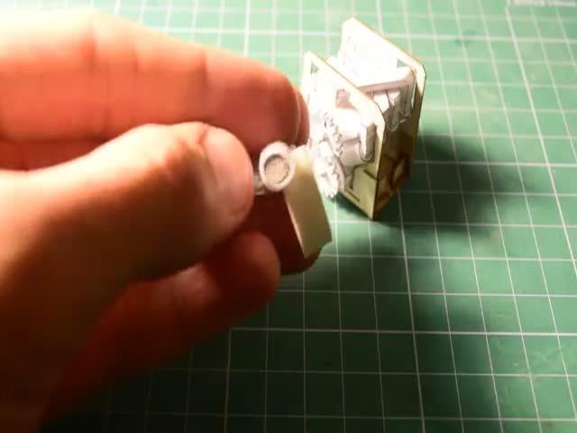 Миниатюрный работоспособный двигатель V8 из бумаги