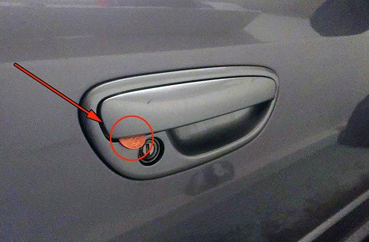 Всегда проверяйте двери автомобиля!