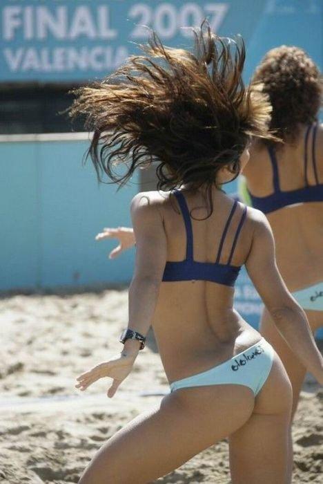 Пляжные фотографии чирлидерш (41 фото)