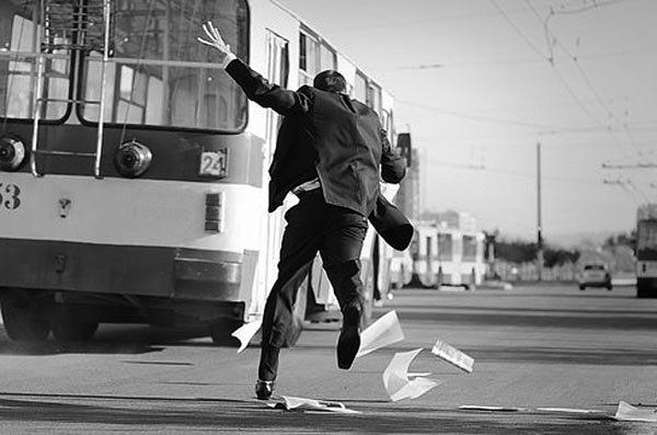 Статья о том, почему жизнерадостные люди всегда опаздывают