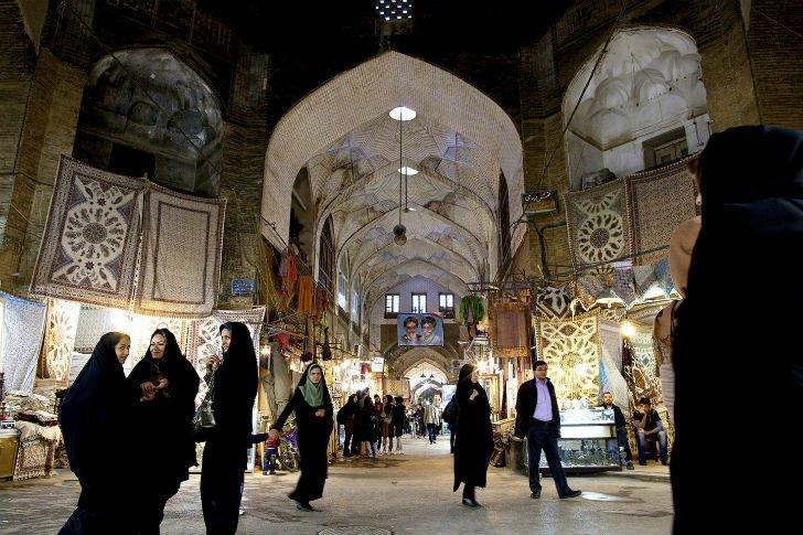 Иран без политики