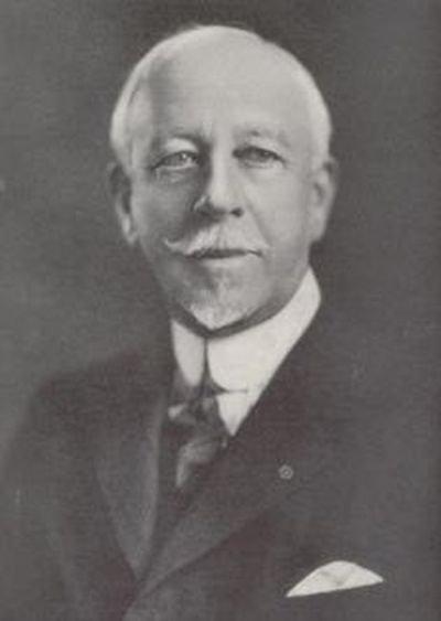 Cоздатель первых правил дорожного движения – Уильям Фелпс Ино (2 фото)