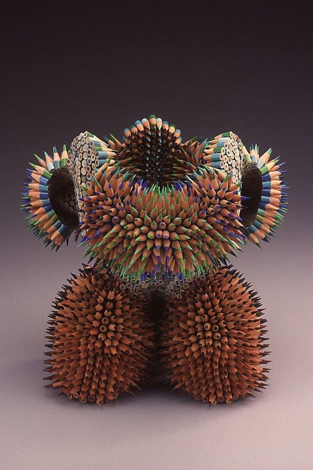 Скульптуры из цветных карандашей