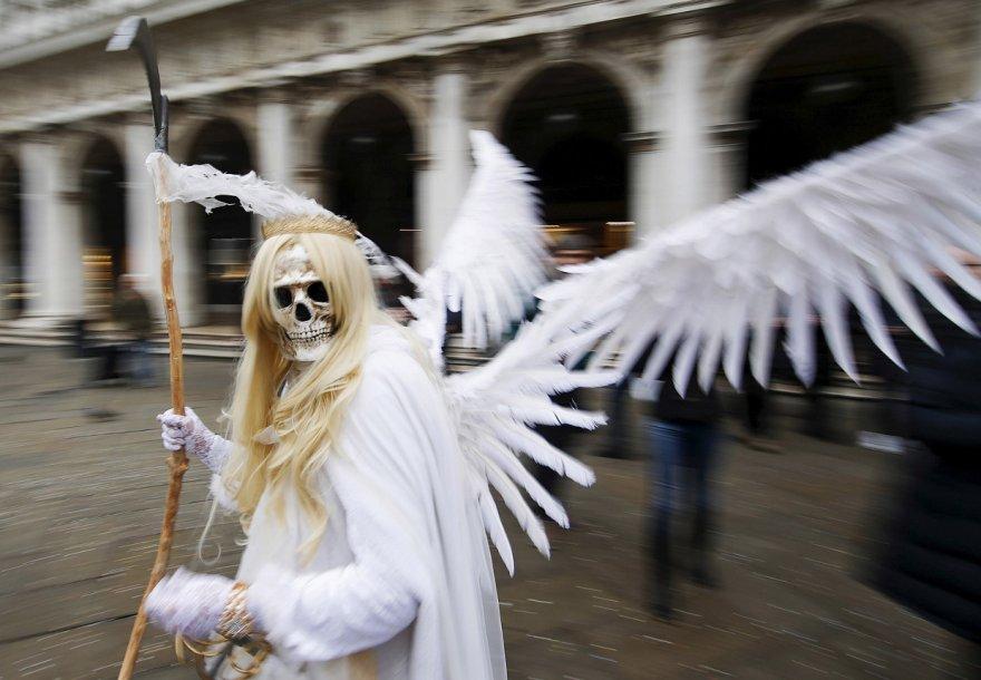 Карнавалы и парады 2016