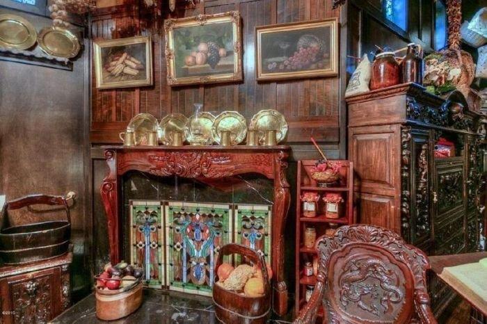 Самый обычный с виду дом с роскошным интерьером достойным дворца (15 фото)