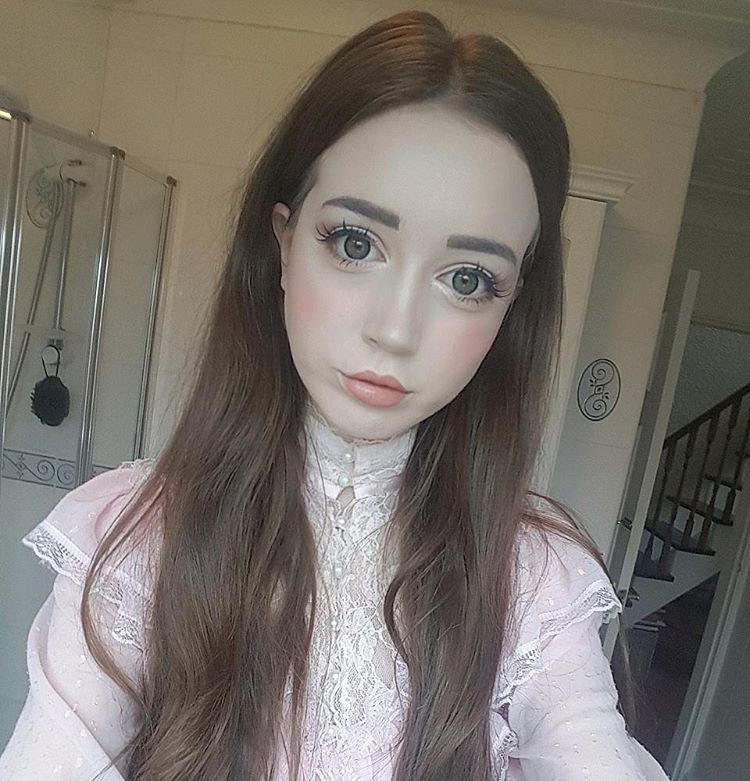Ханна Грегори — британская Барби
