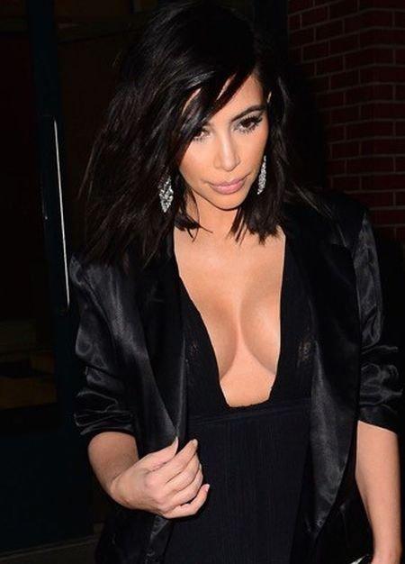 Cекрет идеальной формы груди Ким Кардашян (4 фото)