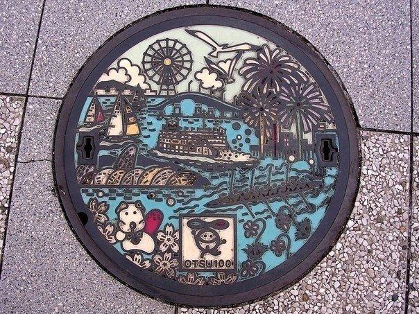 Так выглядят канализационные люки на улицах Японии