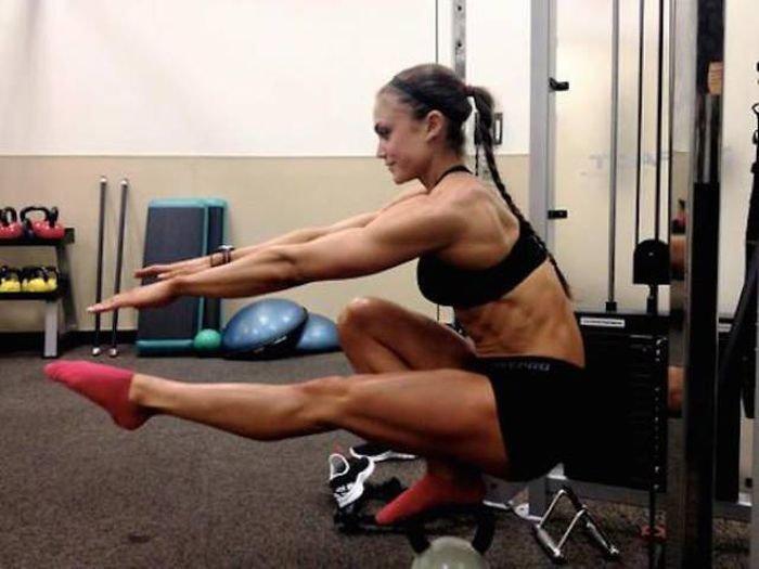 Интересные гифки со спортивными девушками (30 гифок)