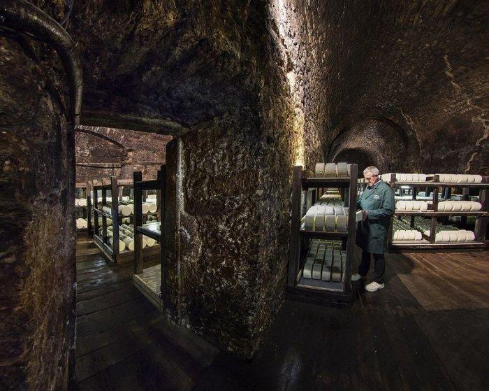 Необычные сырные пещеры рокфора