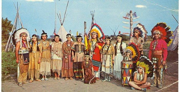 История советского летчика, ставшего вождем индейского племени (6 фото)