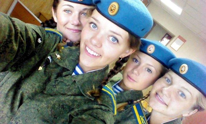 Прекрасные девушки в рядах ВДВ (34 фото)