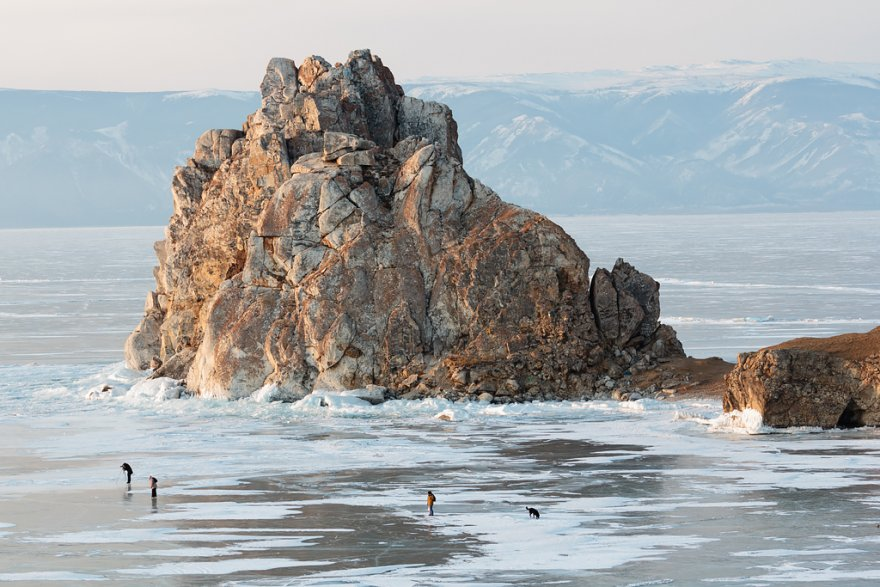 Озеро Байкал зимой: мир льда и ветра