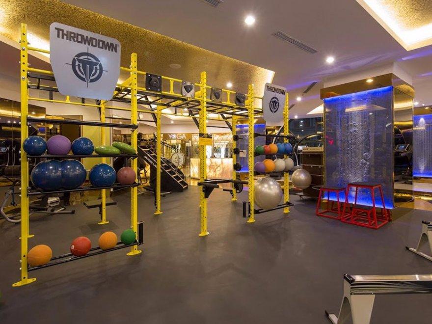 Фитнес-центр со стоимостью абонемента 24 тысячи долларов в год