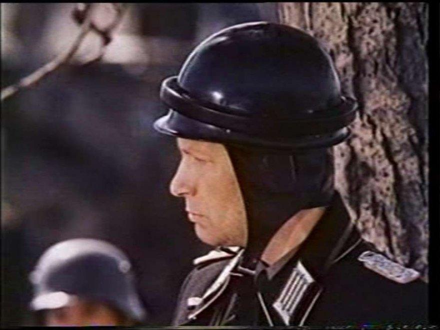 Из истории танкового шлема