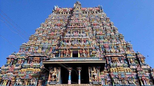 Самый яркий индийский храм