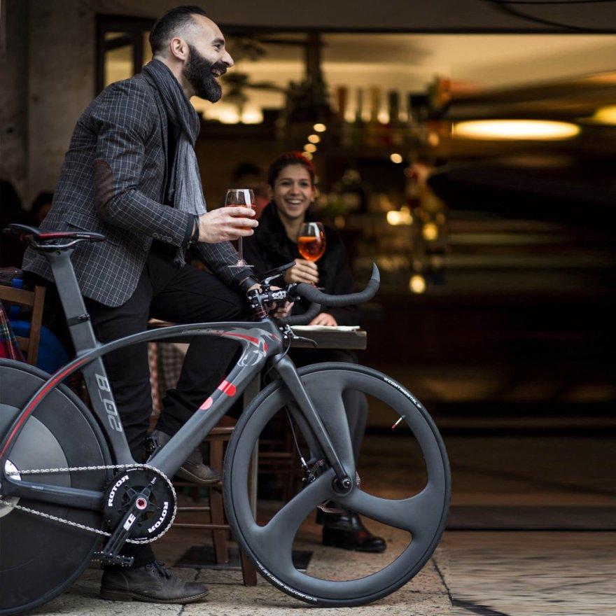 Модель велосипеда, которая разгоняется до 30 км/ч за три нажатия на педали