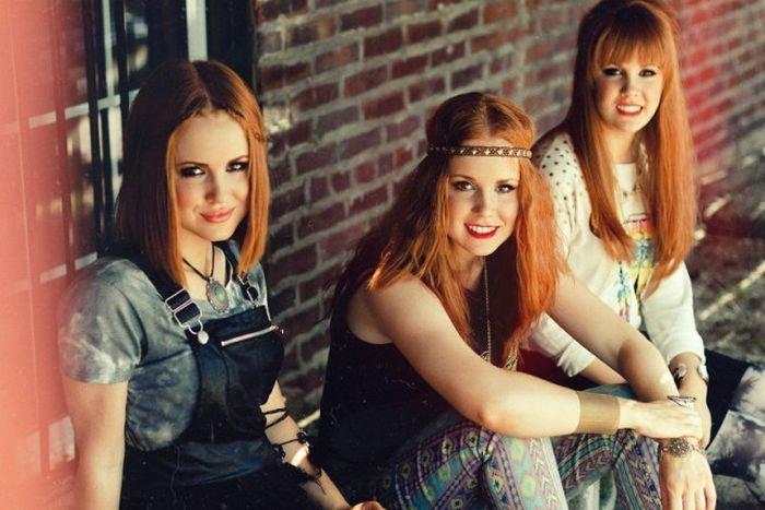 Очаровательные сестры-двойняшки, тройняшки и четверняшки (14 фото)