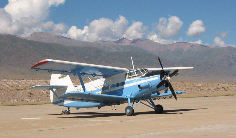 Ан-2: биплан, который может летать хвостом вперед