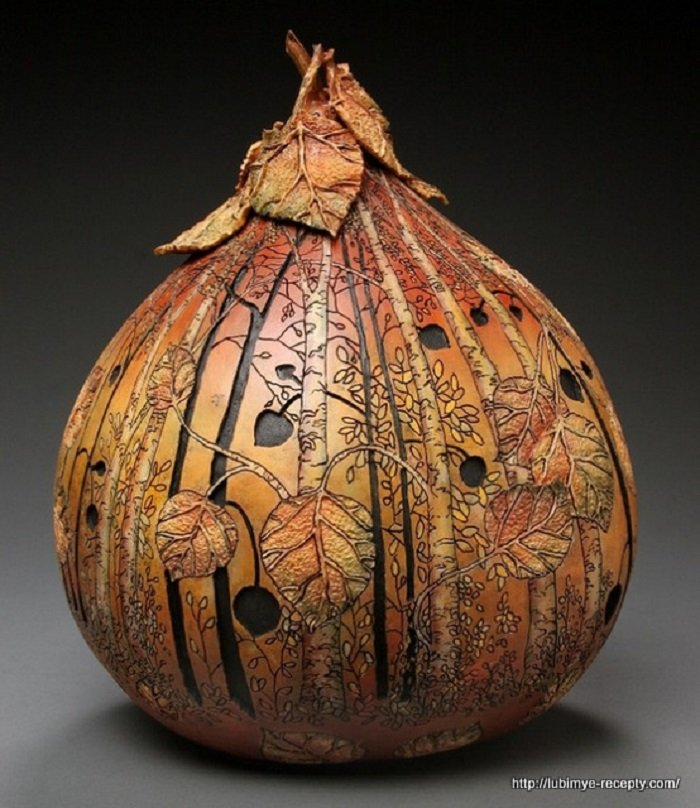 Необычные предметы, вырезанные из тыквы