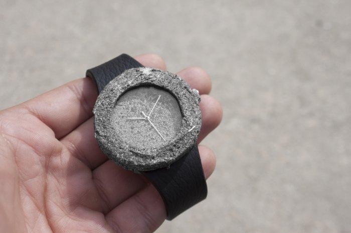 Лунные наручные часы с лунным камнем