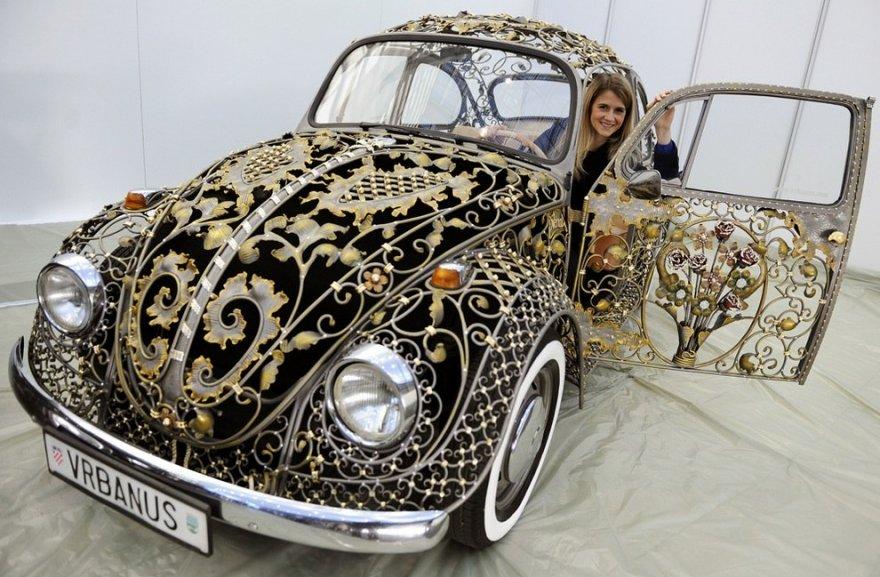 Кованный Volkswagen Beetle и монструозный Finnjet на международной ярмарке тюнинга