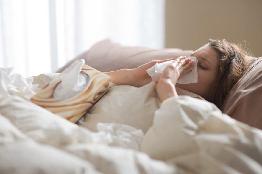Шесть неожиданных причин и одно простое средство от неприятного запаха изо рта