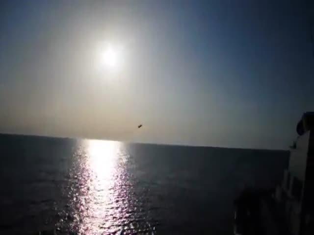 Российский бомбардировщик СУ-24 пролетел над американским эсминцем «Дональд Кук»