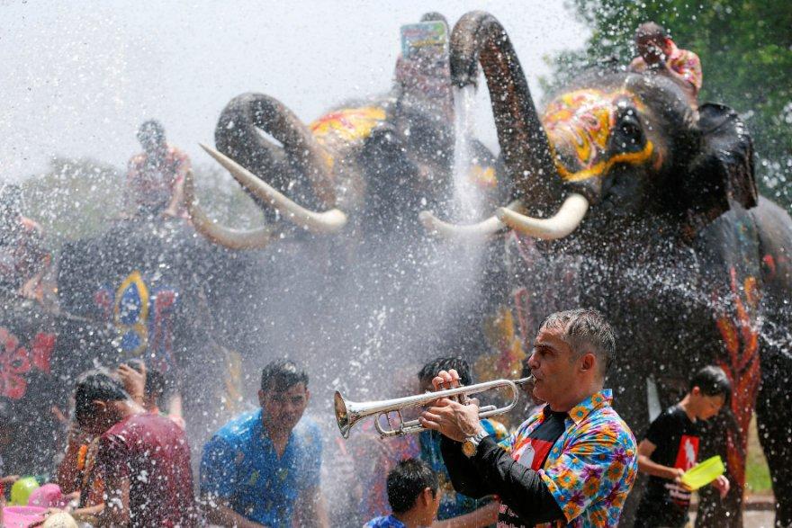 Празднование тайского Нового года
