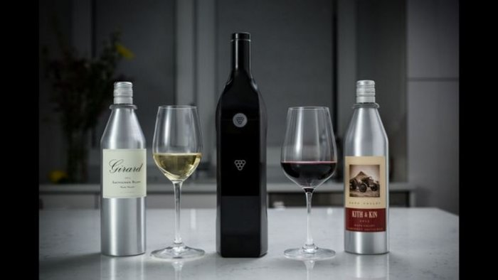 Вино в энциклопедической бутылке