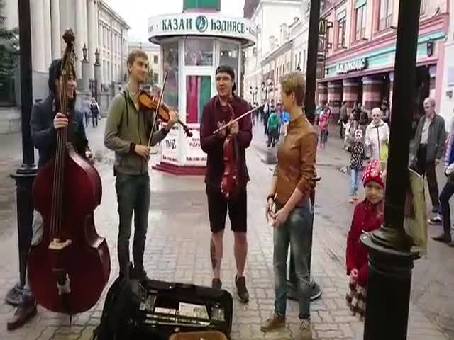 Исполнение песни «Такого, как Путин»