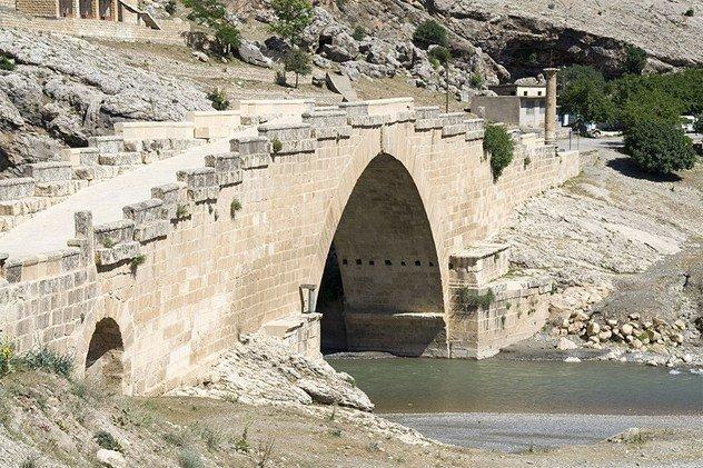 Подборка древних мостов