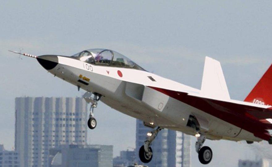Первый японский стелс-истребитель